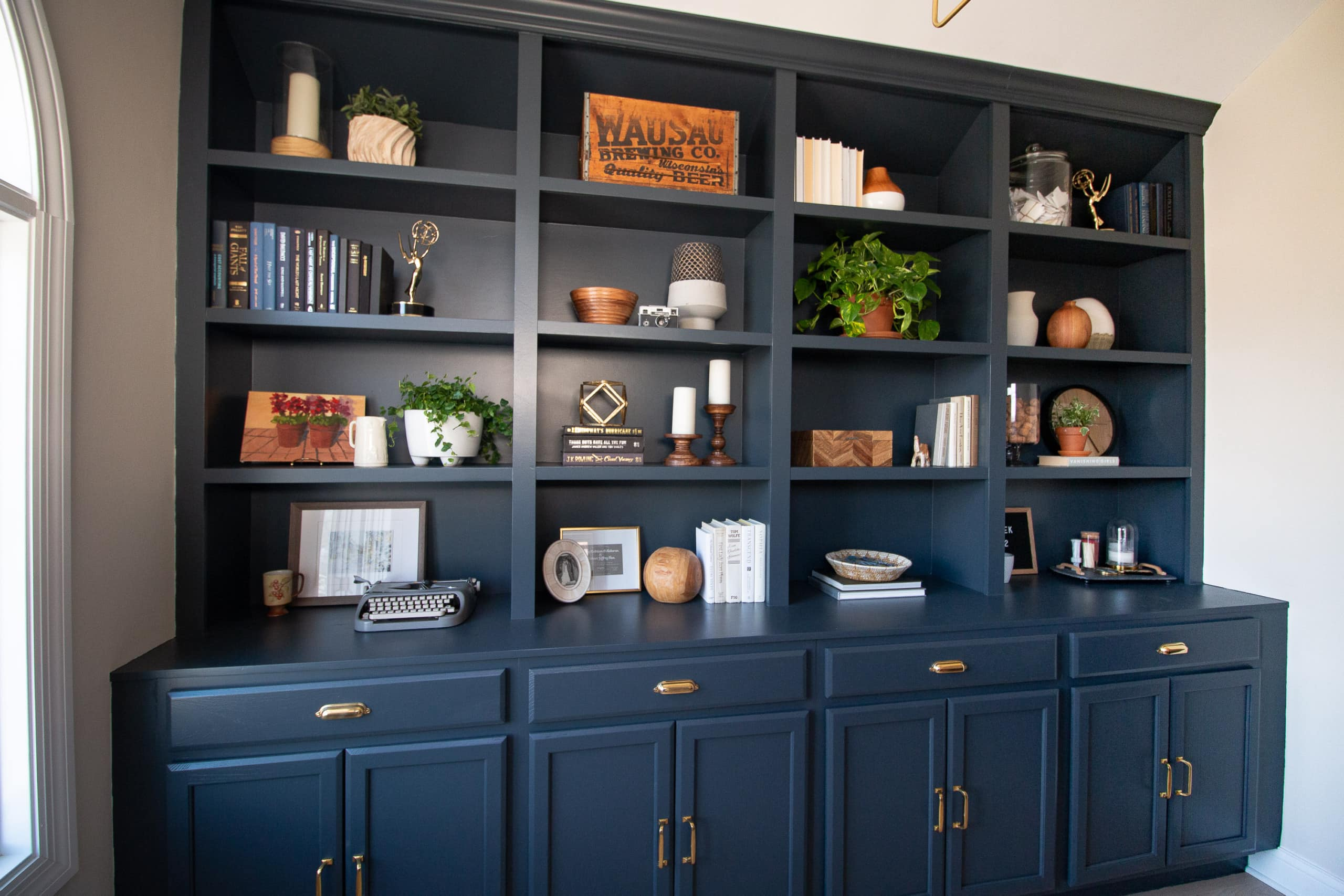 Tips for shelf styling in your home