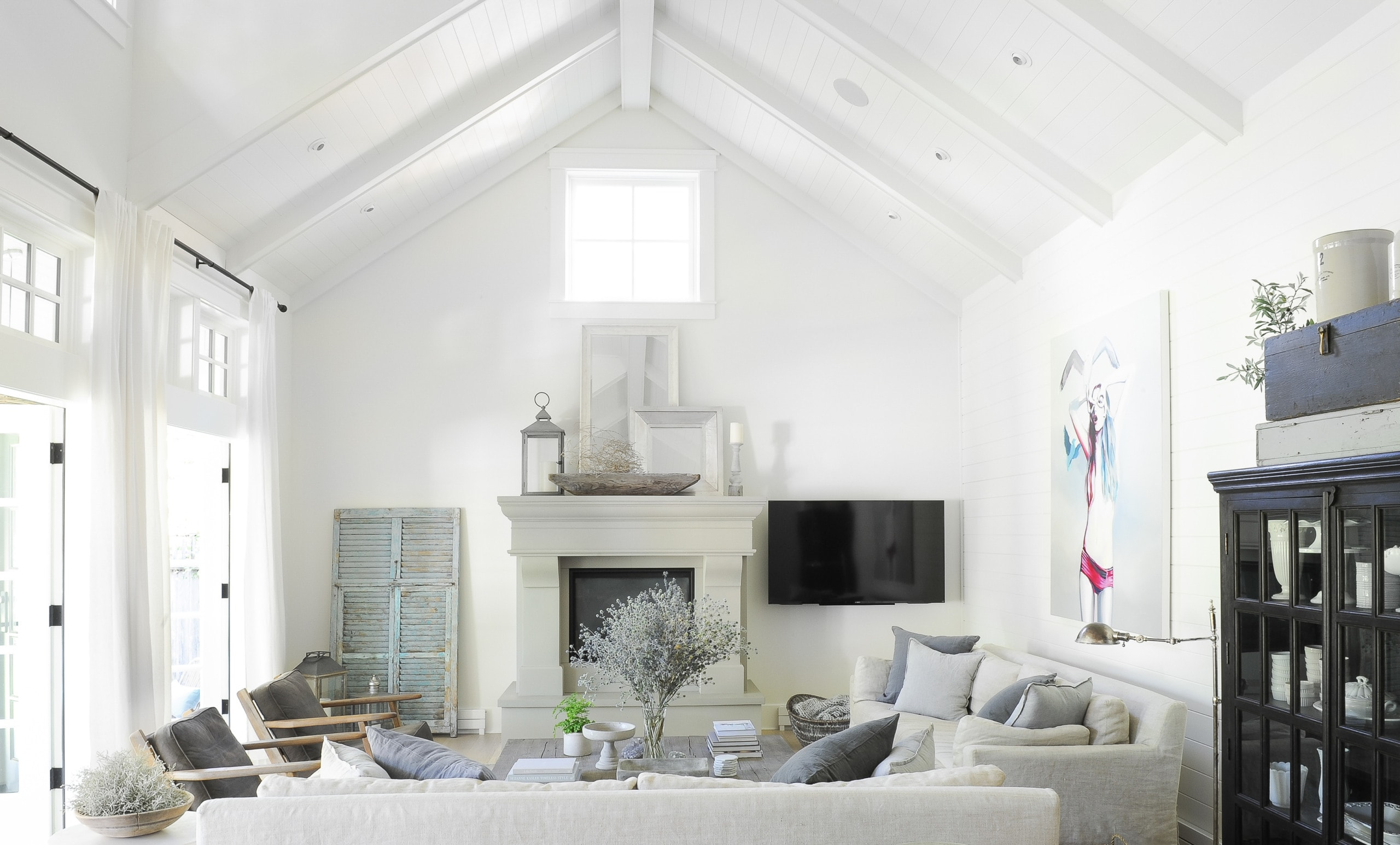 Vaulted ceilings in a living room