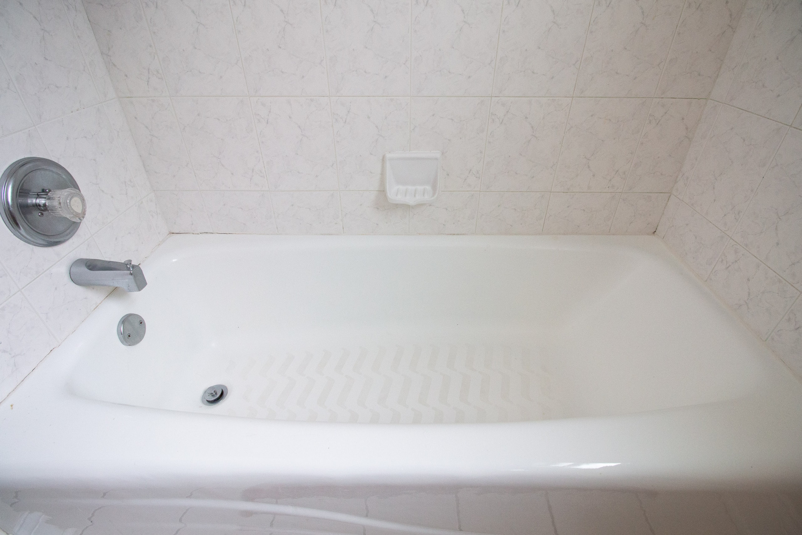 Tips to recaulk a bathtub