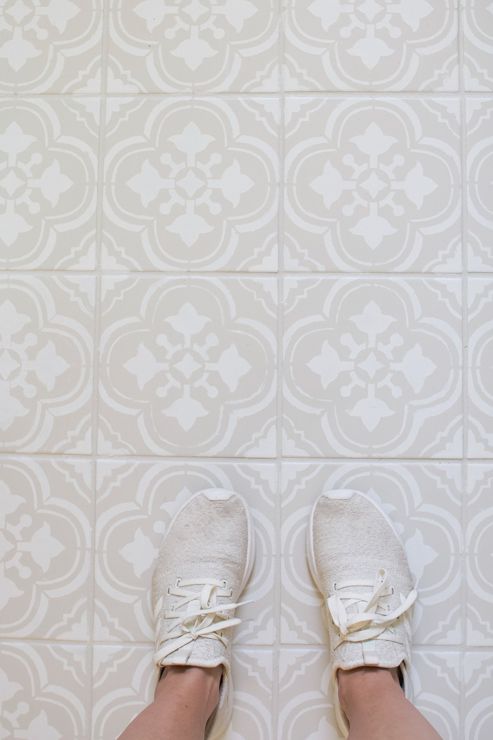 How to paint a bathroom floor