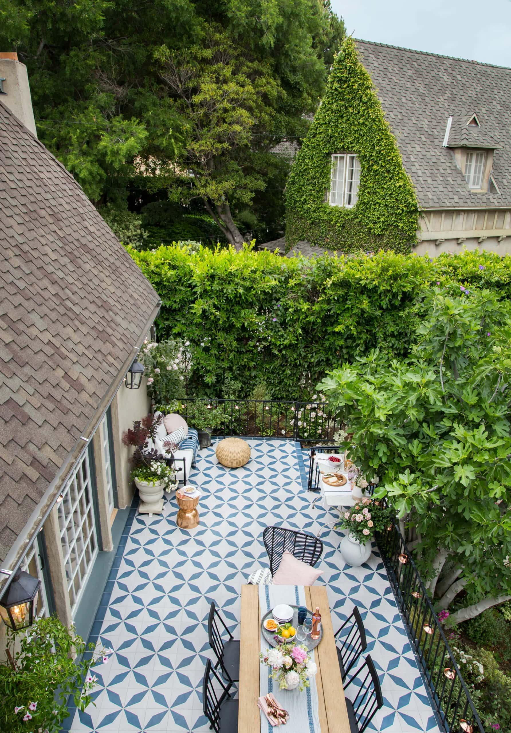Emily Henderson's outdoor patio