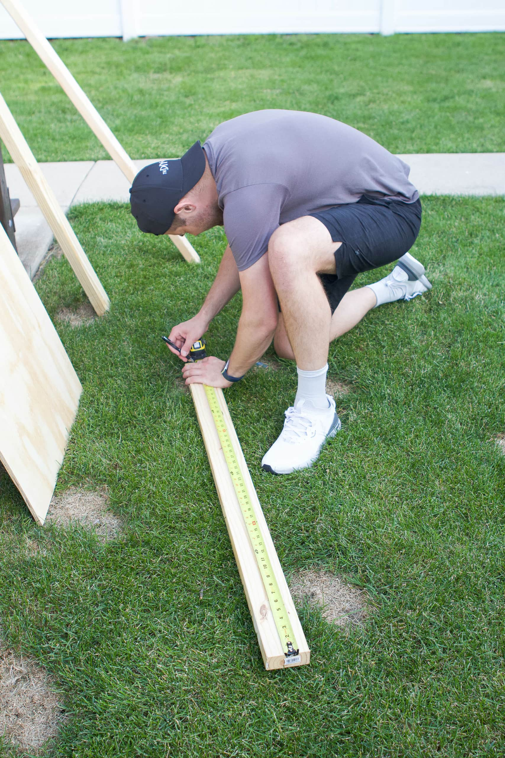 Supplies to make your own DIY cornhole boards