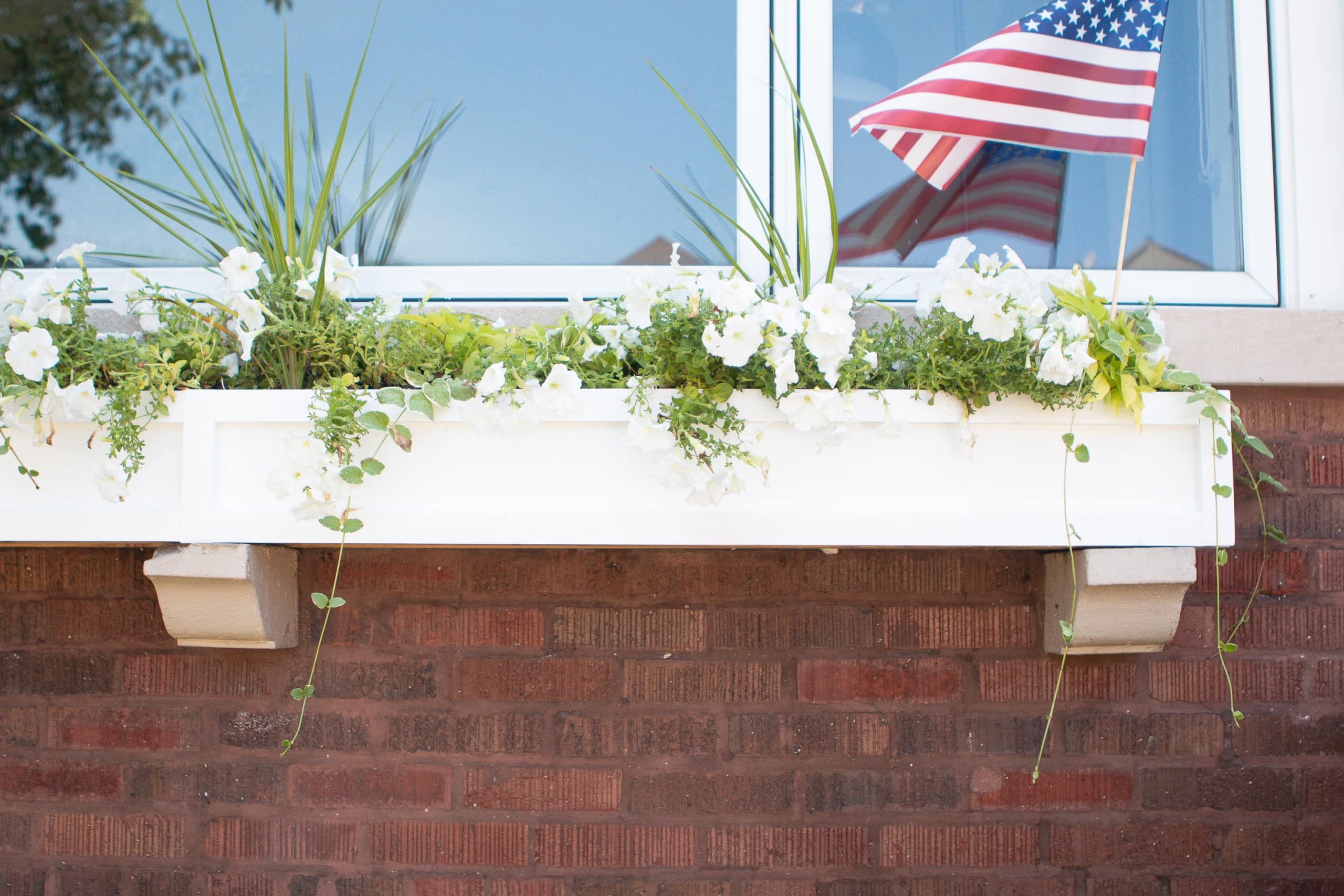 How to build a front window box