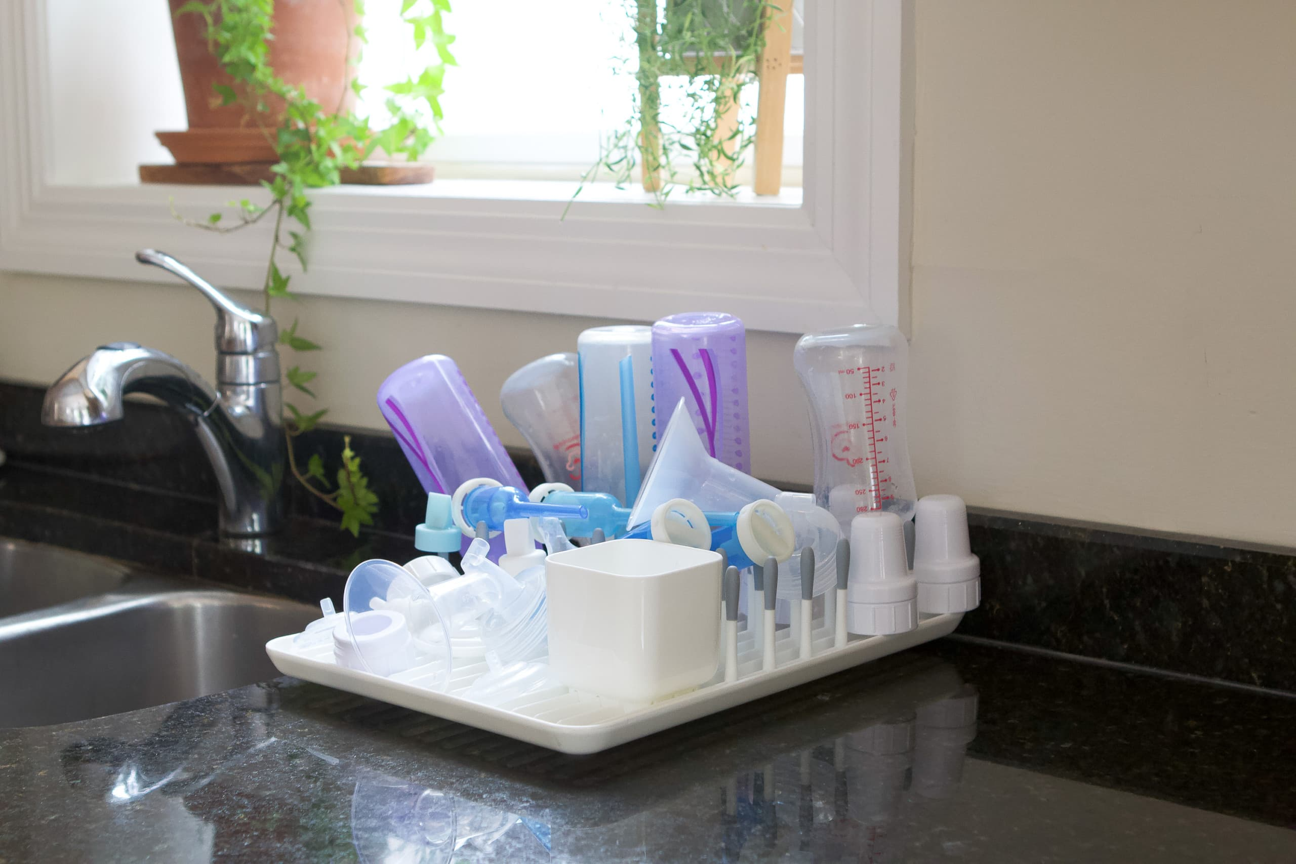 Drying rack in the kitchen for baby bottles