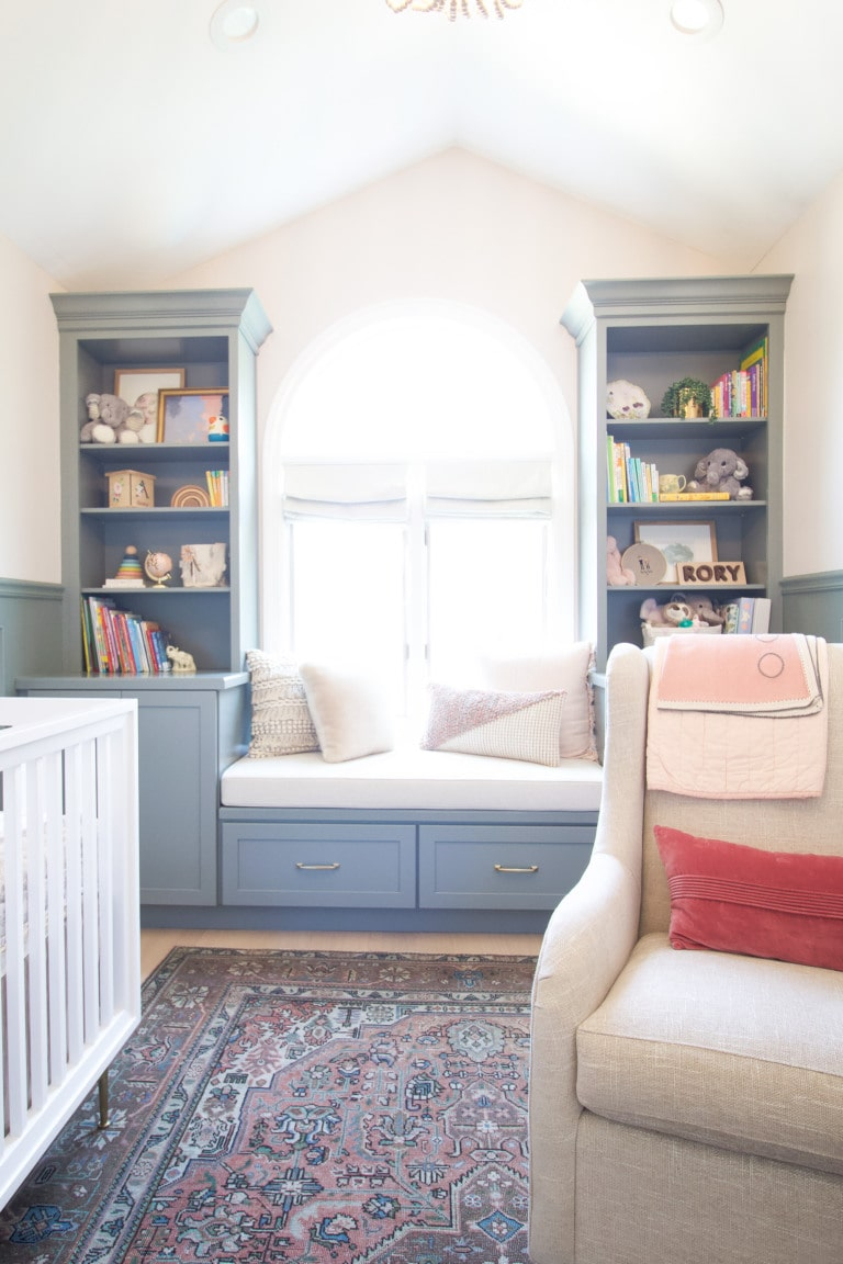 tips to style shelves in a nursery