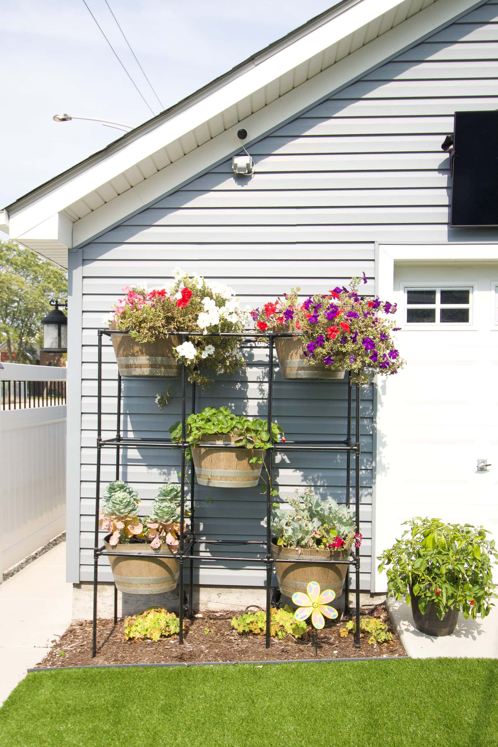 How to create a DIY planter for your garage