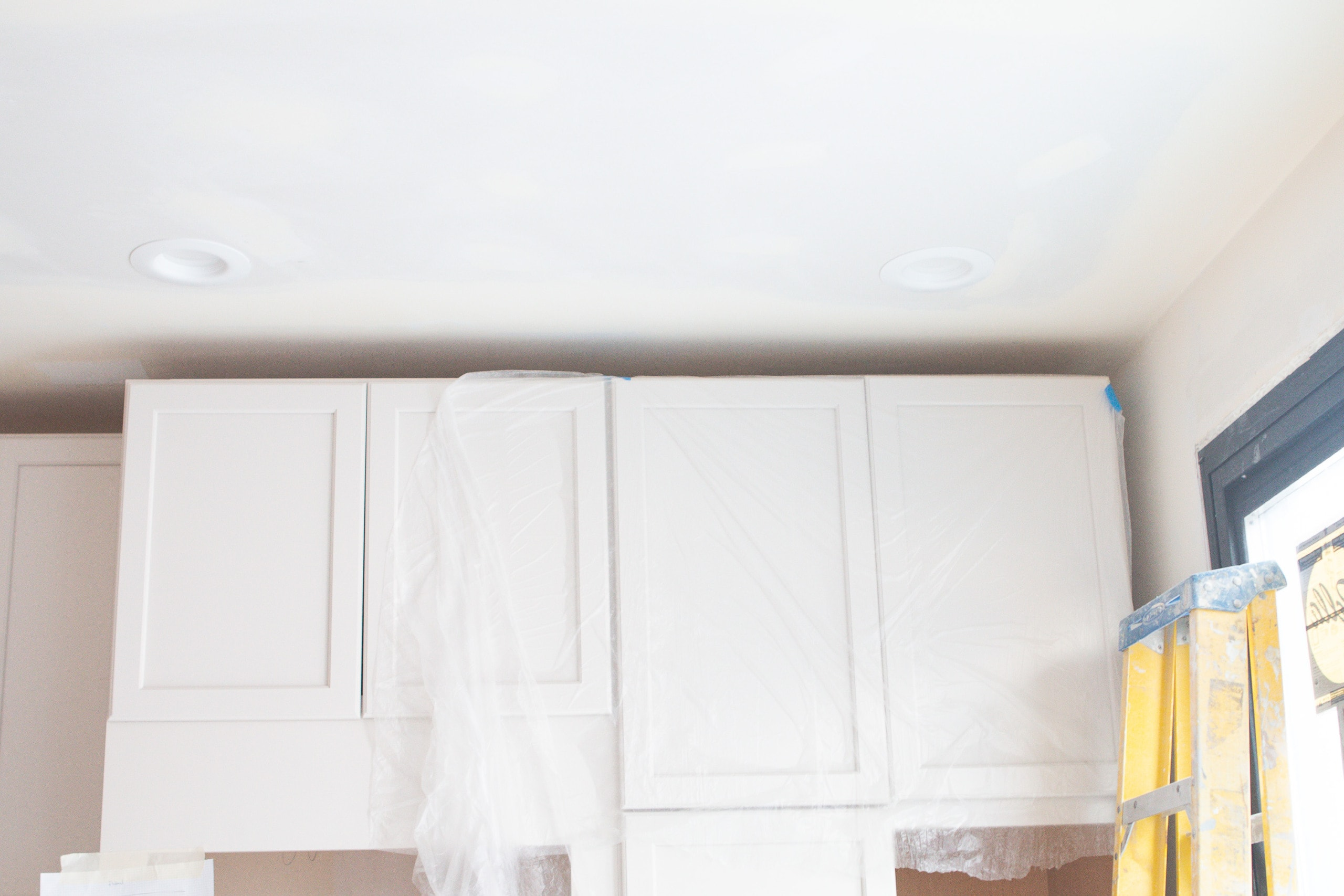 Gap between ceiling and cabinets