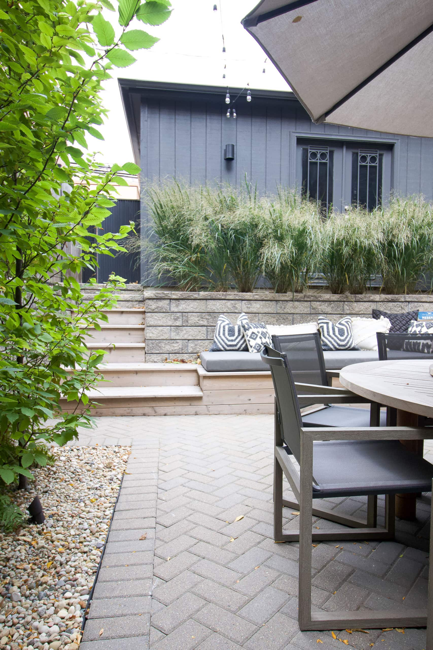 Outdoor patio in Lincoln Park