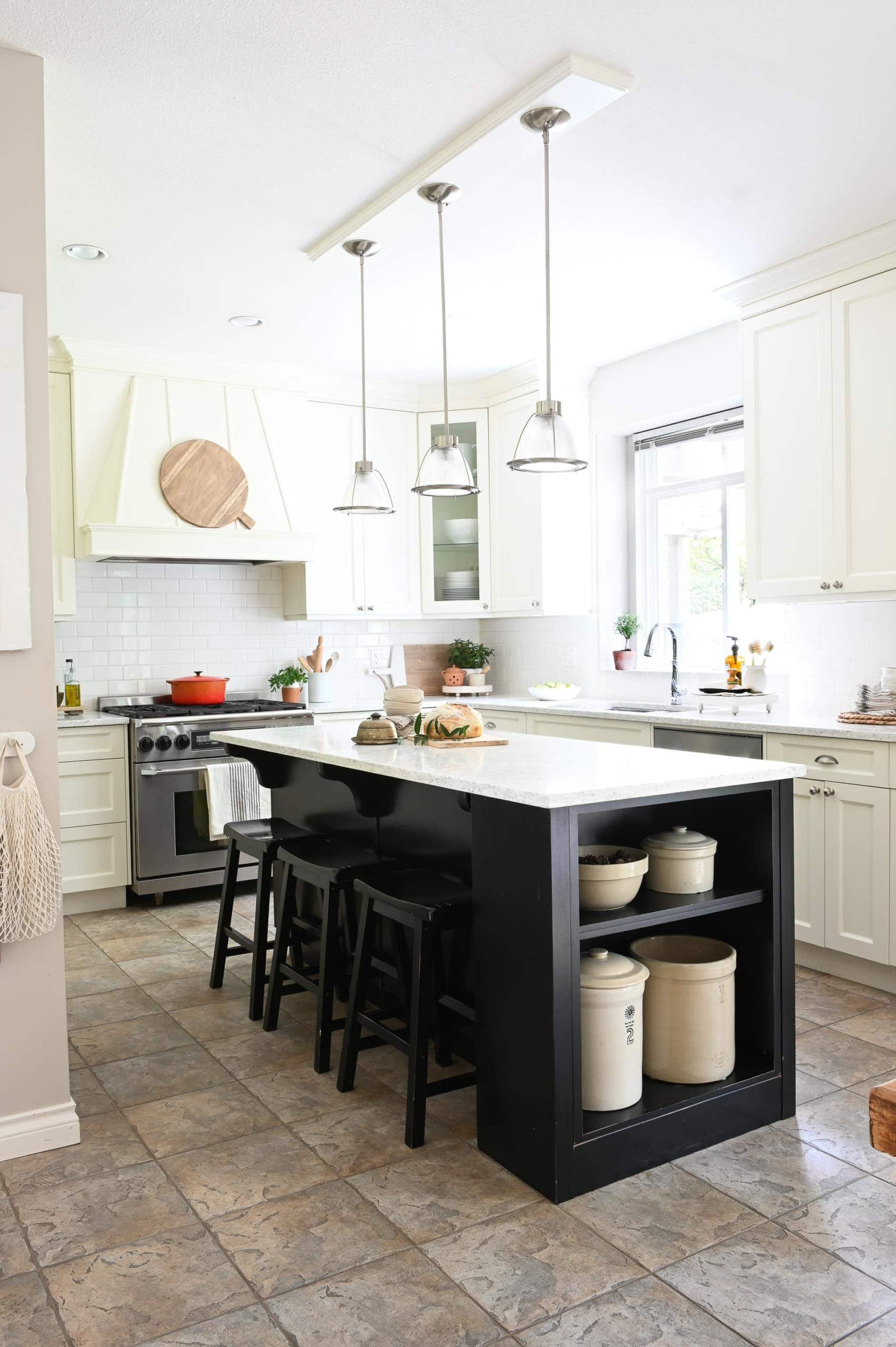 DIY kitchen with farmhouse style