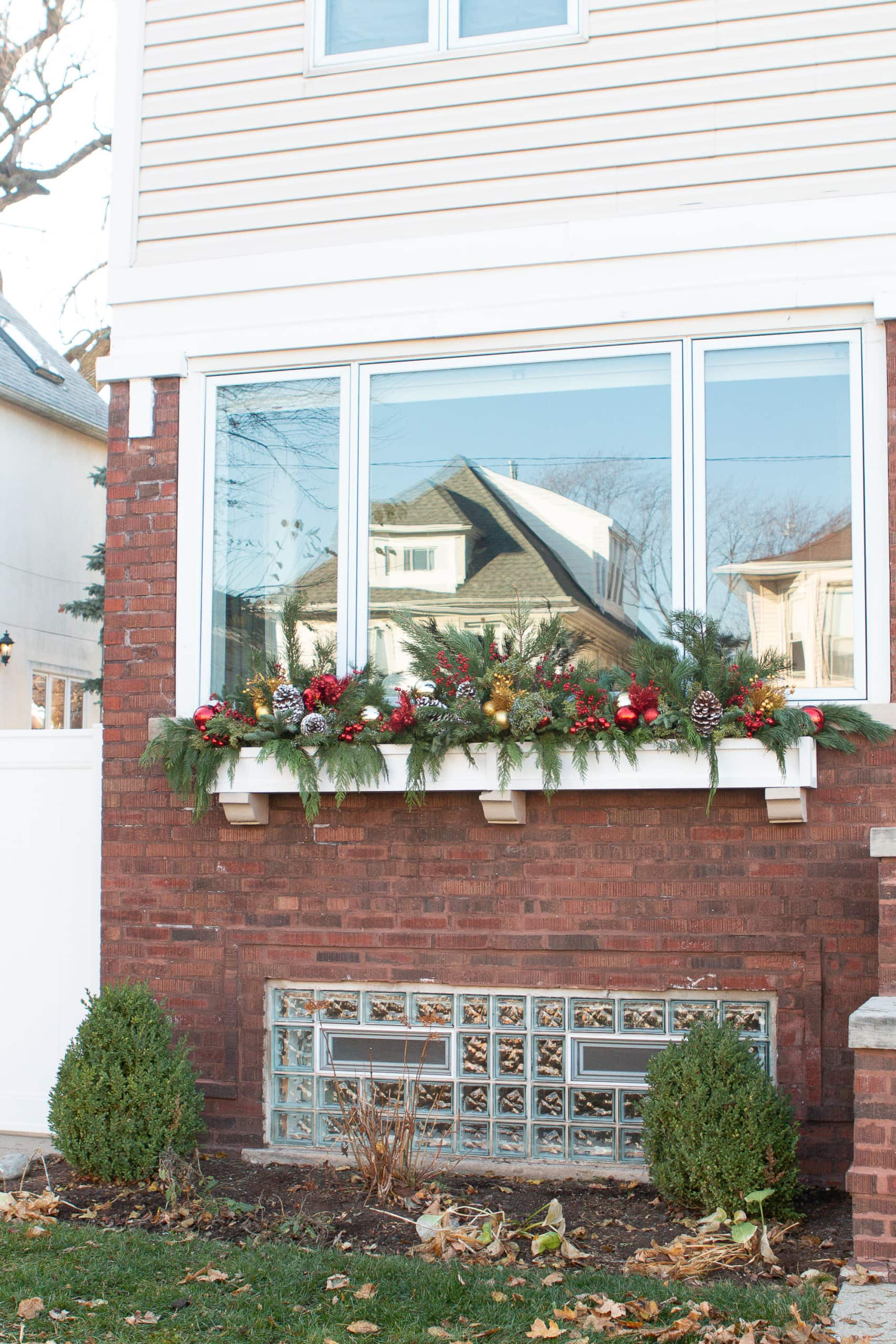 Our holiday window box