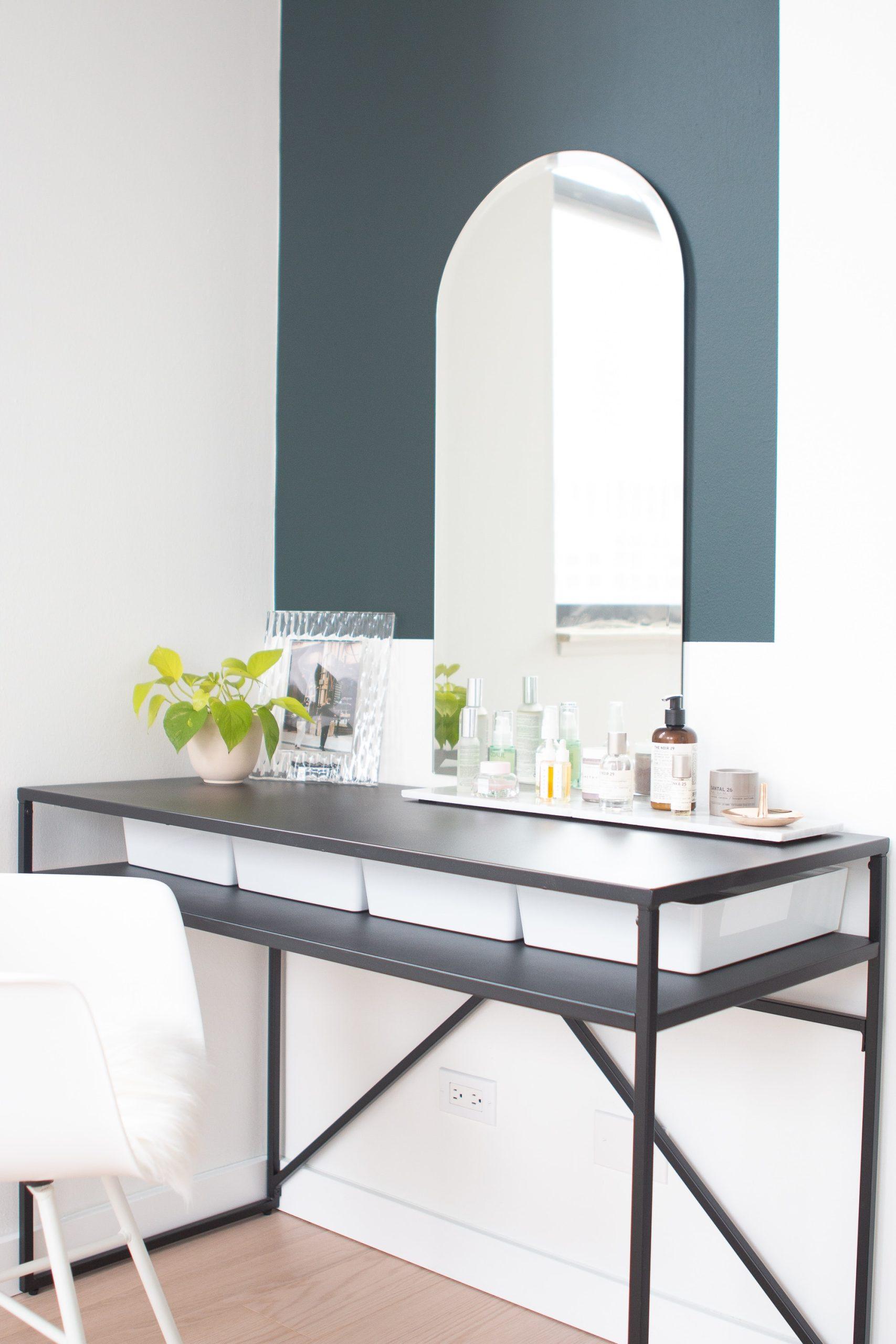 Vanity table in a bedroom