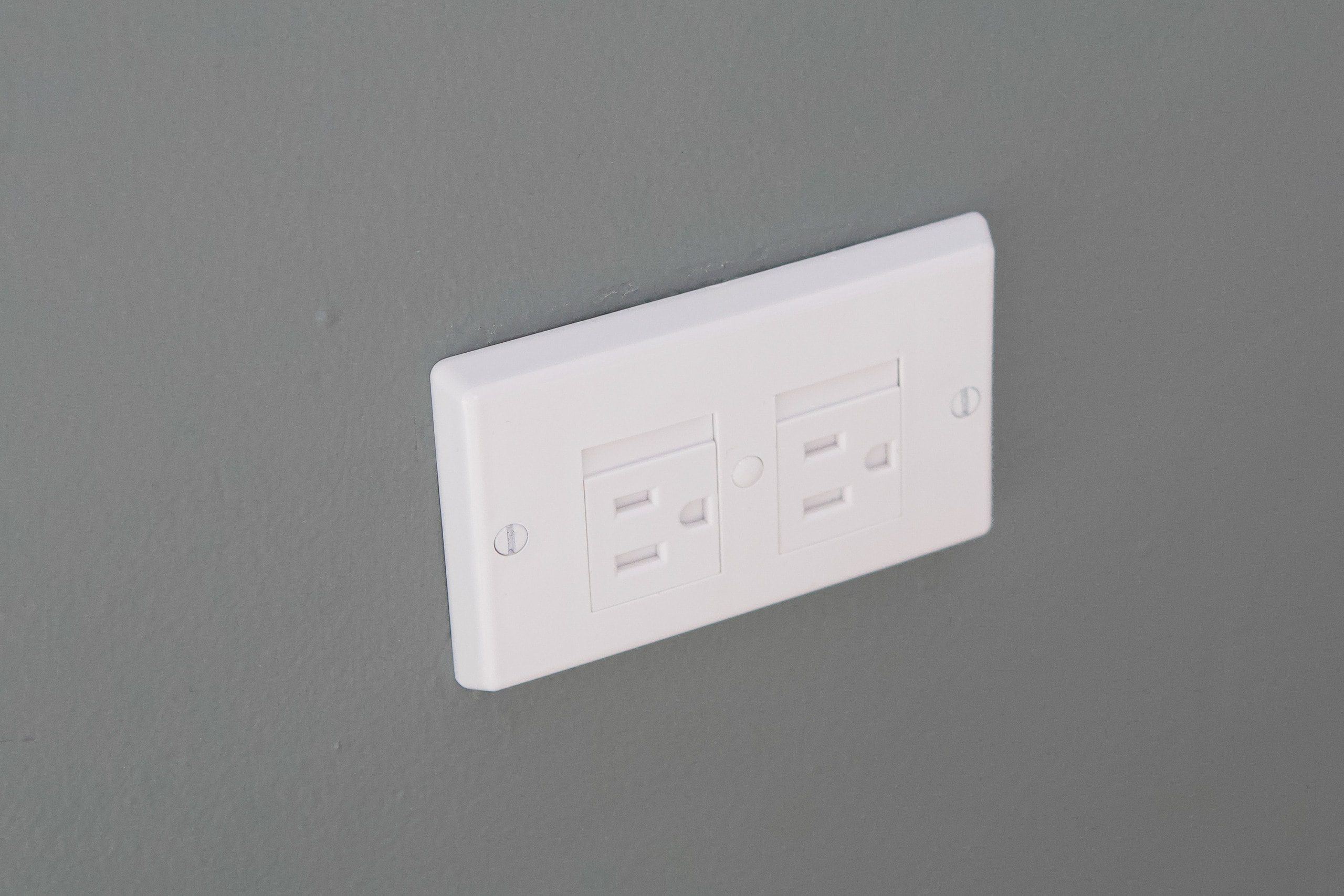 Tips to babyproof your home, use these electrical covers