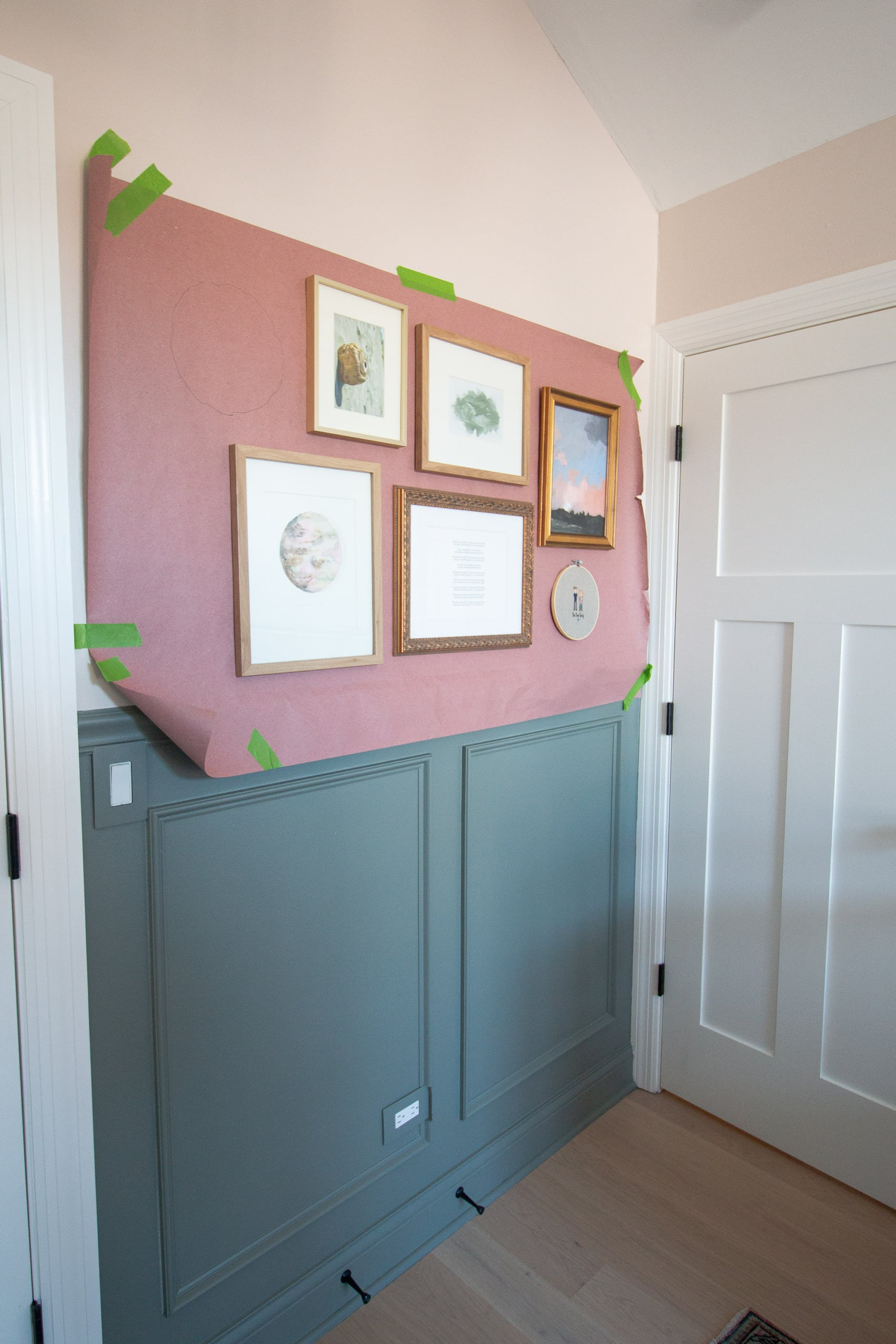 Tips to hang a nursery gallery wall