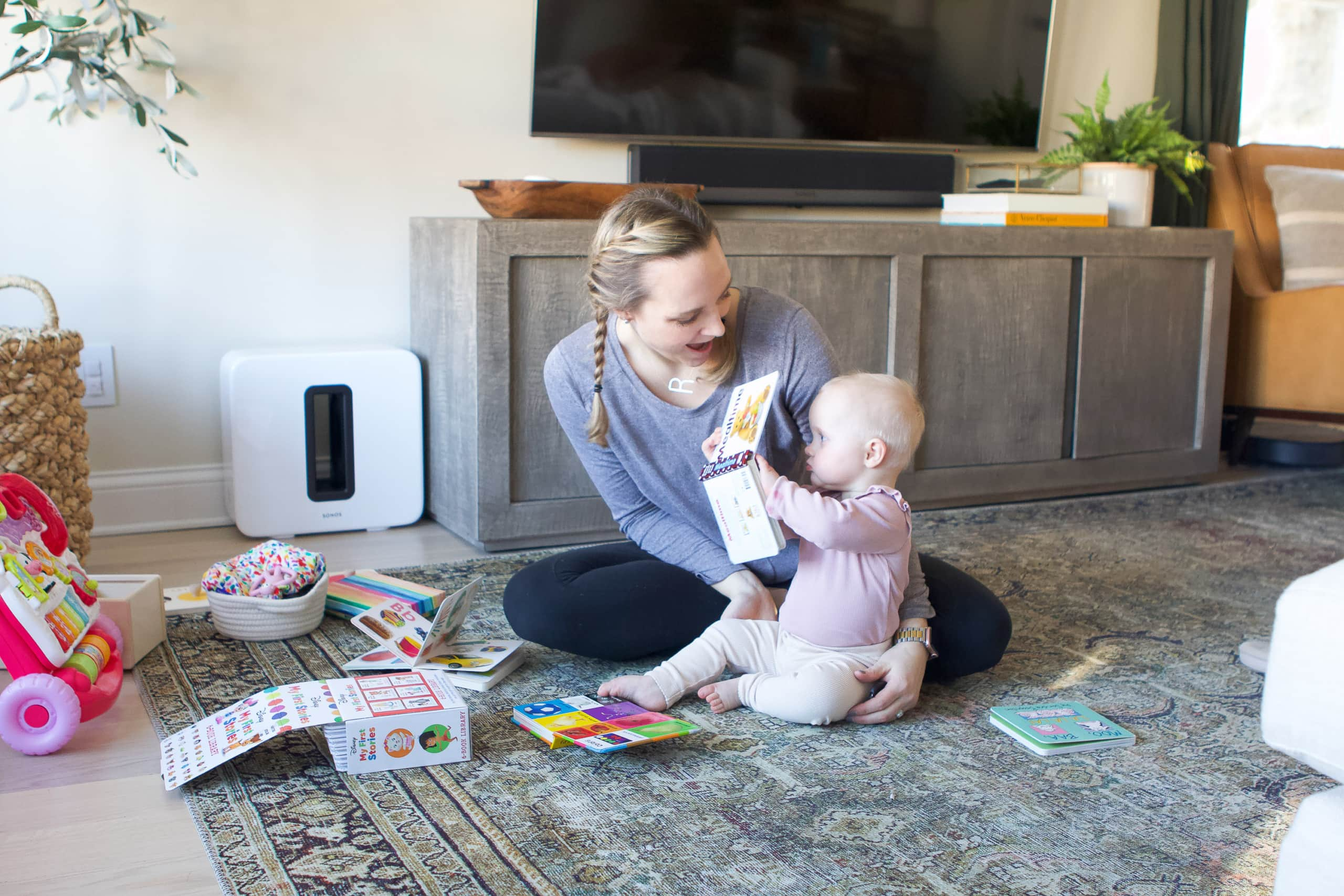 Our 11 month old schedule as a work from home mom