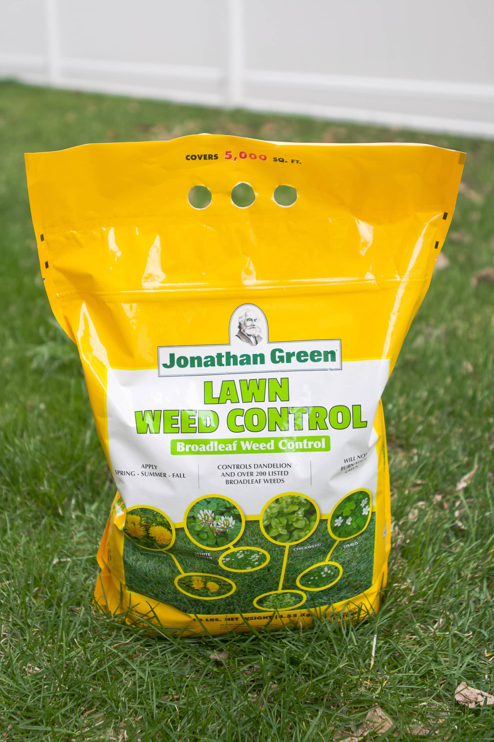 Use weed control to prep your lawn for spring