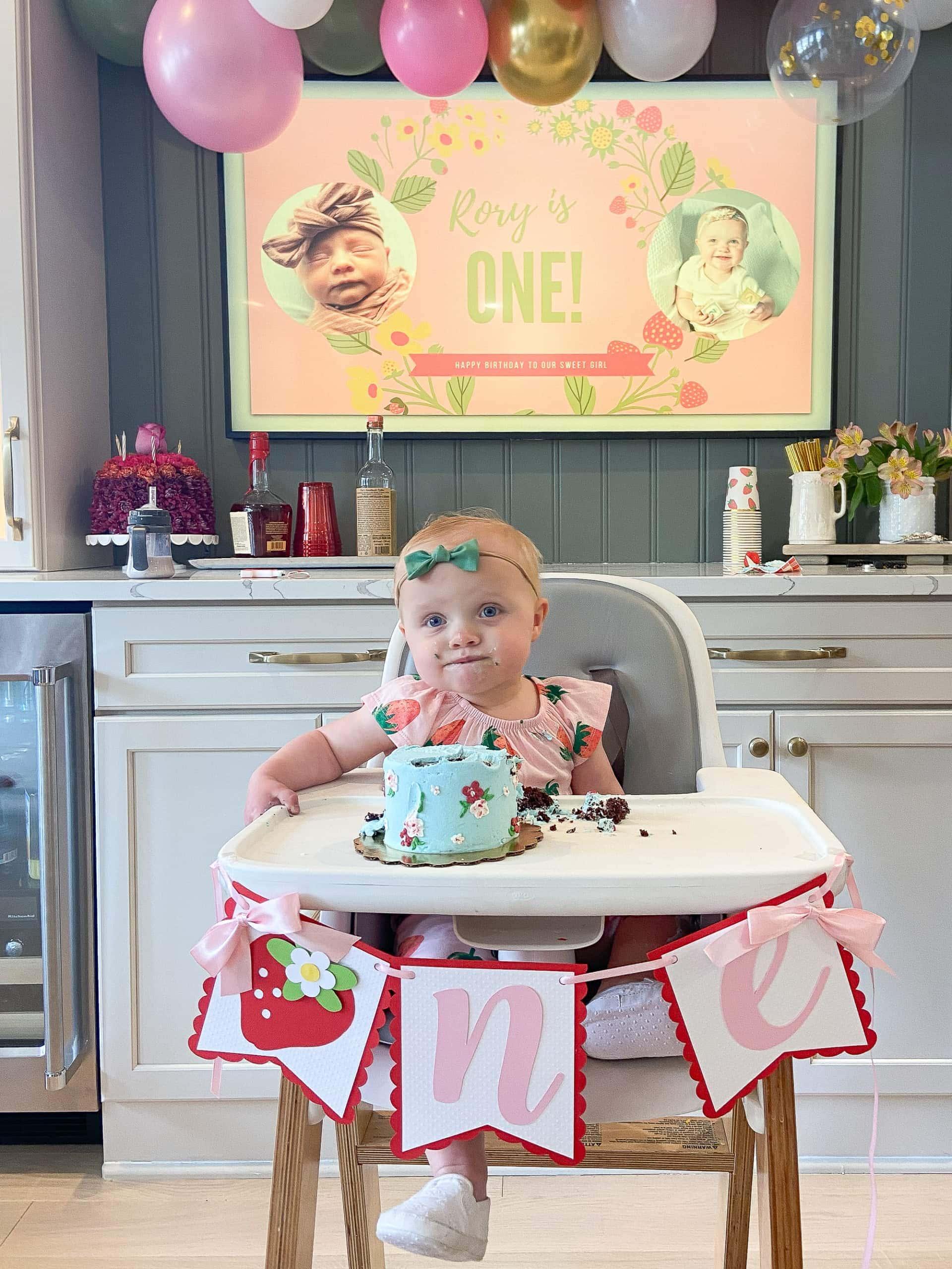 Rory eating her smash cake