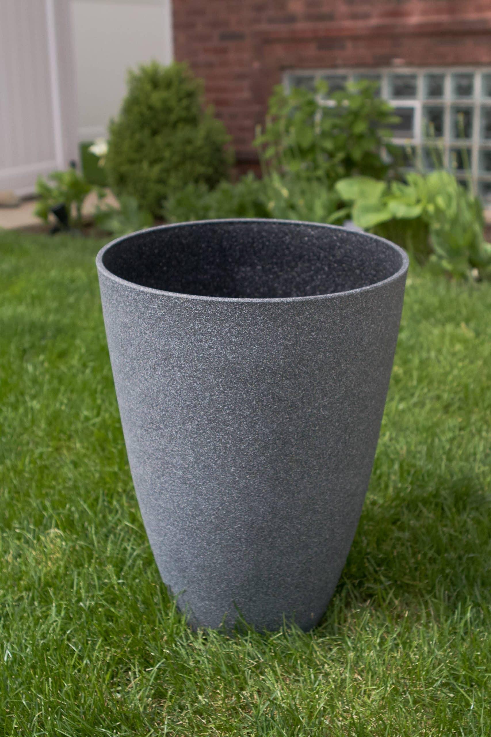 Gray planter