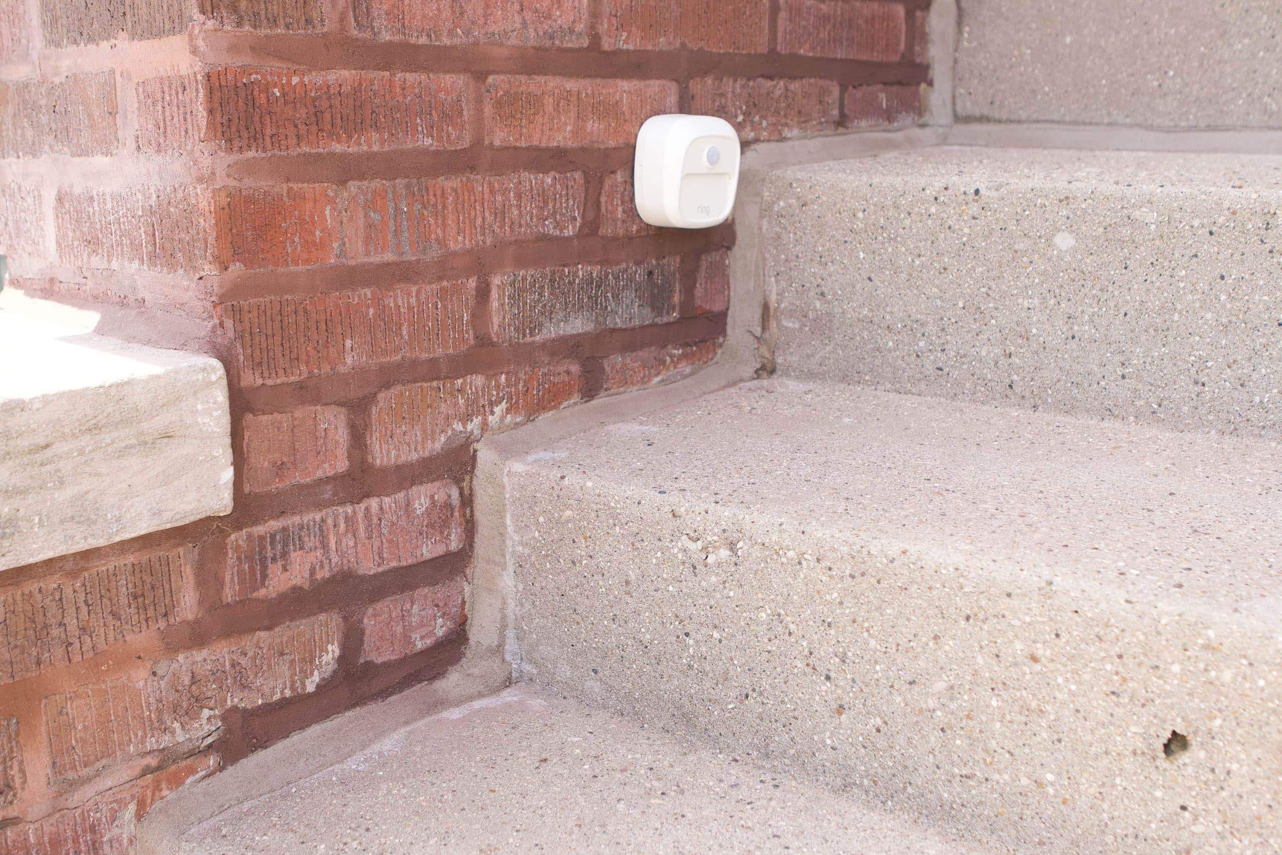 Fixing crumbling mortar lines
