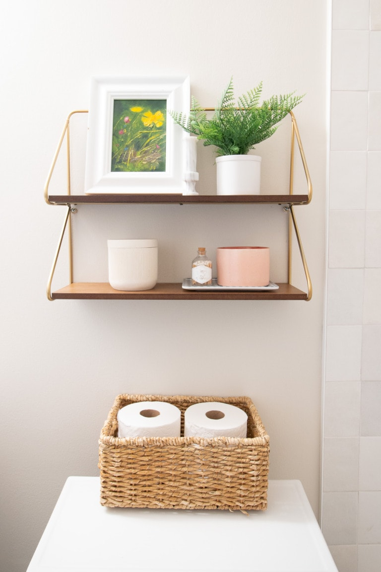 Hanging a wall shelf over a toilet